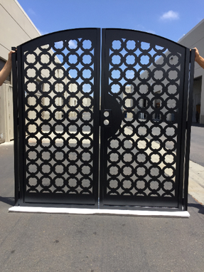 Custom Made Contemporary Dual Entry Metal Gate Ornamental Iron Garden Entry Modern