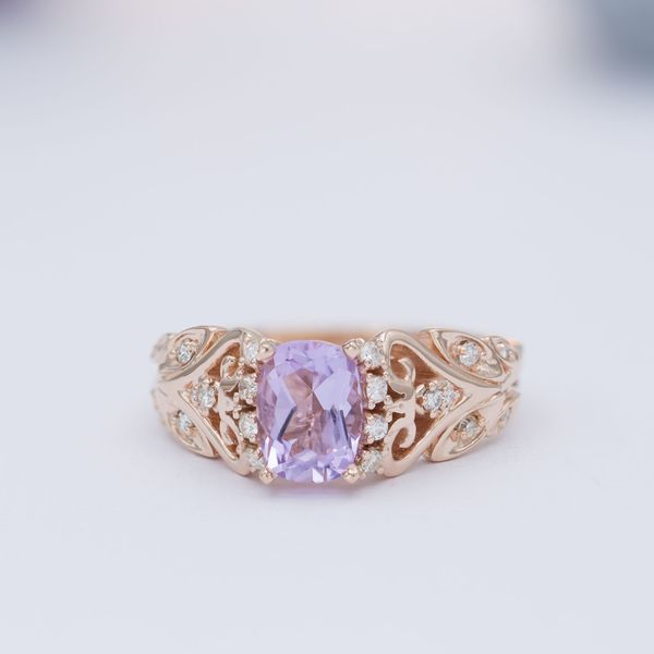 A cushion-cut Rose de France amethyst brings its blushing lilac color to this vintage-inspired rose gold ring.