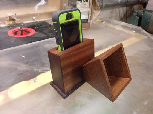 Custom Made Sapele Iphone Speaker