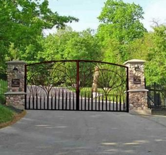 Custom Made Estate Gate - Cambridge Castle (11th Century England)
