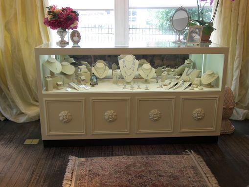 Custom Made Jewlery Store Display Cases