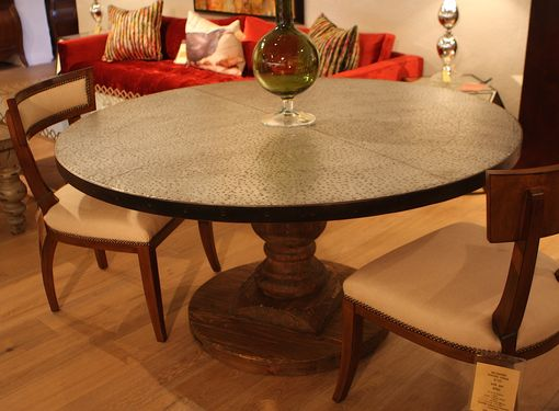 Custom Made Hampton Round Pedestal Dining Table (Floor Model)