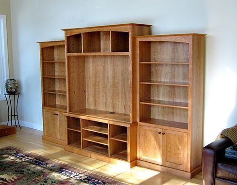 Custom Made Arts & Crafts Media Center