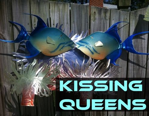Custom Made Kissing Queens