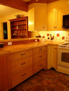 Custom Made Shaker Kitchen Cabinetry