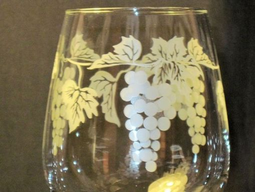 Custom Made 12 Oz Grape Vine Wine Glass