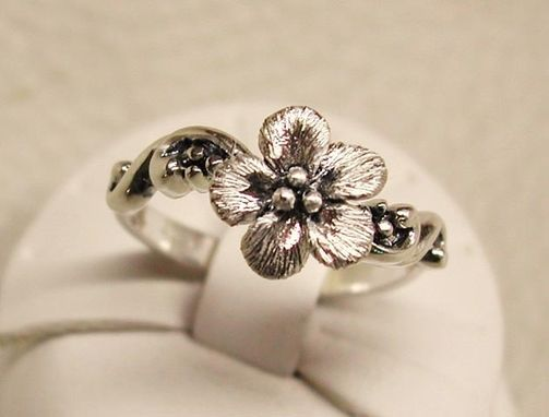 Custom Made Sterling Silver Forget-Me-Not Flower Solitaire Ring