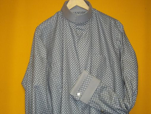 Custom Made Gray Cotton Button Up Dress Naru Shirt, 5 Button French Cuff, 3 Button Sleeve Placket, Vented Back