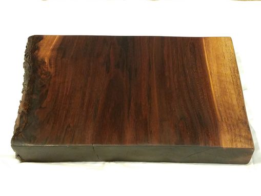 Custom Made Live And Natural Edge Cutting Boards & Serving Platters