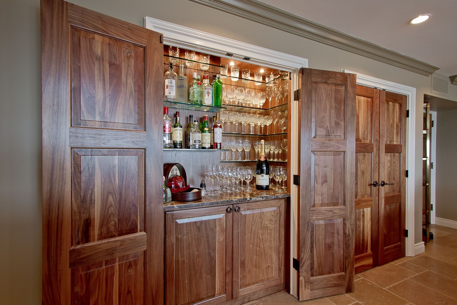 Man Caves and Home Bars | CustomMade.com