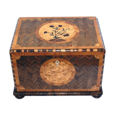 Custom Made Cigar Humidor 150 (Floral Design)