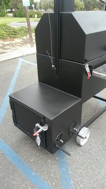 Hand Made Reverse Flow Smoker Cooker With Santa Maria Bbq