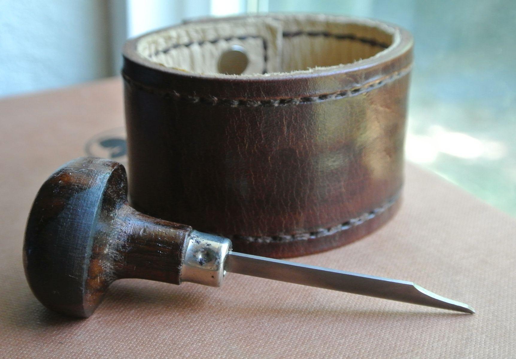 Custom Made Leather Bracelet Bison Brown