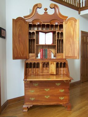 Custom Made 18th-Century Philadelphia, Pennsylvania Secretary Desk