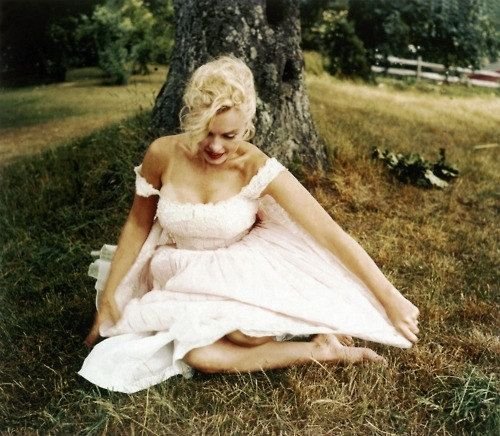 Custom Made Couture To Fit Marilyn Monroe White Alencon Lace 50s Wedding Dress