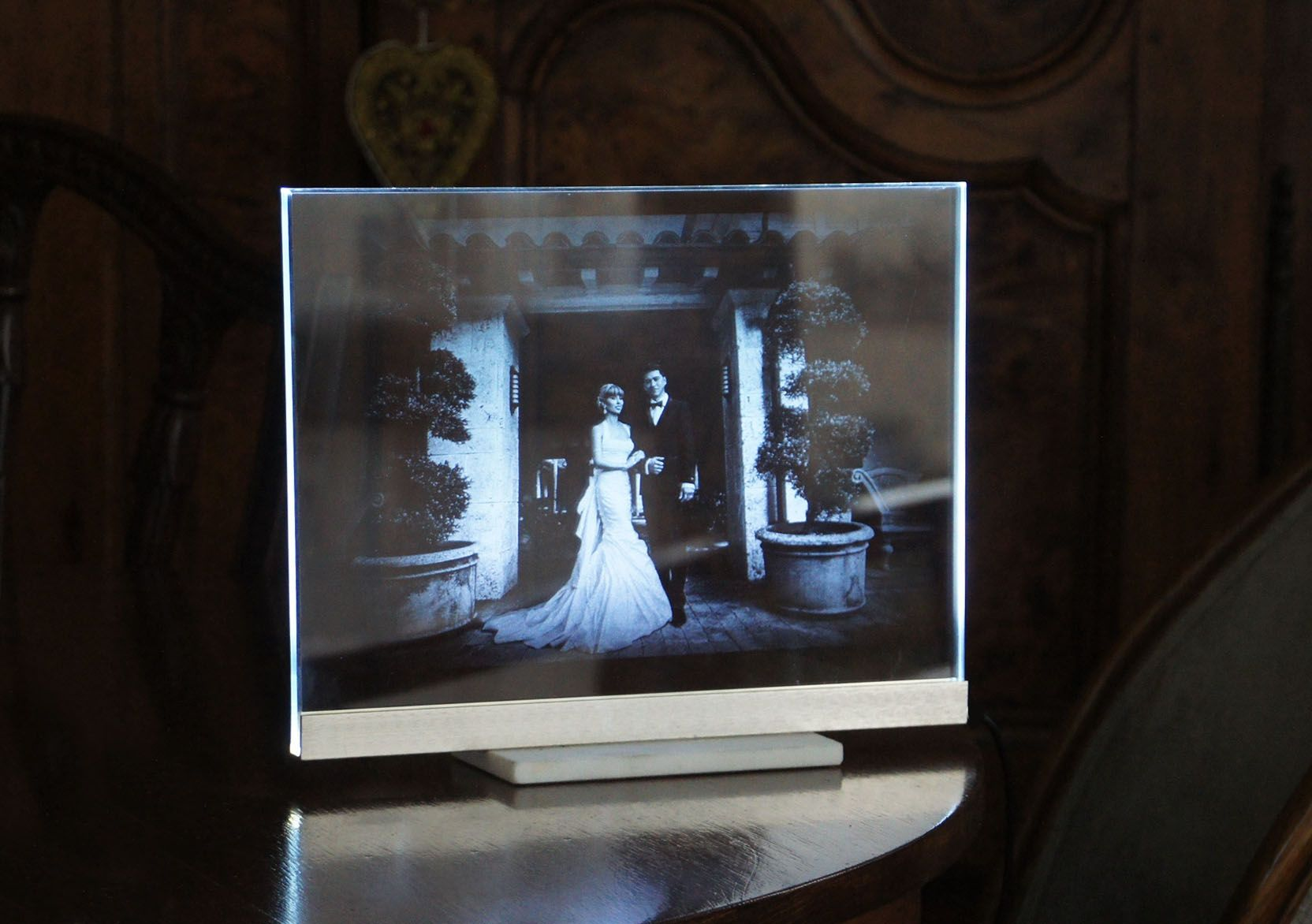 Custom wedding portrait etched glass night light led display by custom made wedding portrait etched glass night light led display jeuxipadfo Image collections