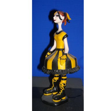 Custom Made Queen Bee Kari