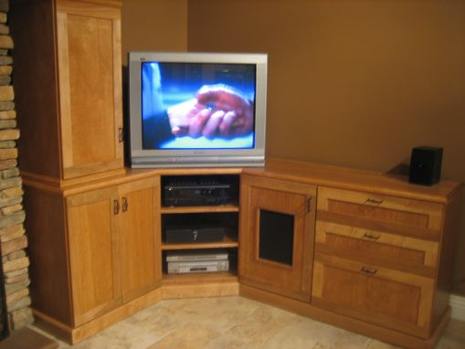 Custom Made Custom Entertainment/Dinningroom-Center
