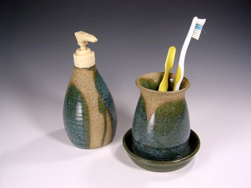 Custom Made Bathroom Accessory Set Stoneware Soap Dispenser And Toothbrush Holder