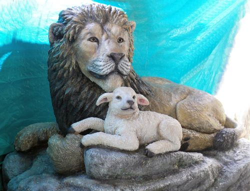 Custom Made The Lion And The Lamb: Full Life Size Statue 4x5x8 Feet.