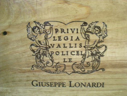 Custom Made Giuseppe Lonardi Wine Crate Pet Feeder