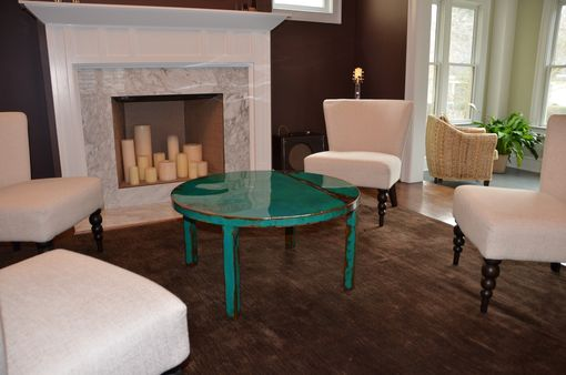 Custom Round Metal Coffee Table Art With Beautiful Turquoise And Jade Green Paint Color