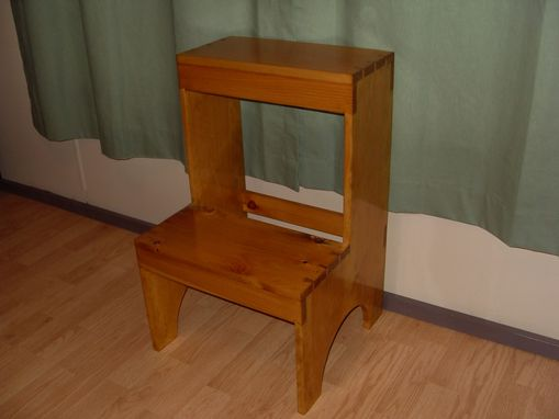 Excellent Custom Dovetail Shaker Step Stool By The Frugal Woodworker Ibusinesslaw Wood Chair Design Ideas Ibusinesslaworg