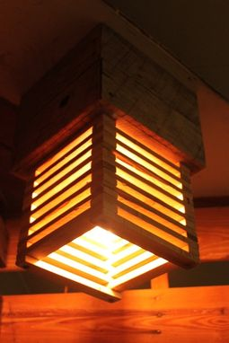 Custom Made Pallet Light