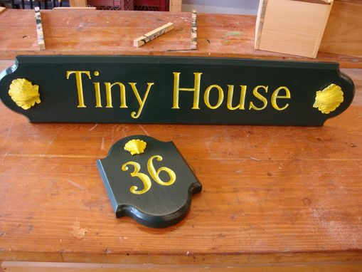 Custom Made Hand Carved And Painted Signs And Decorative Carving.