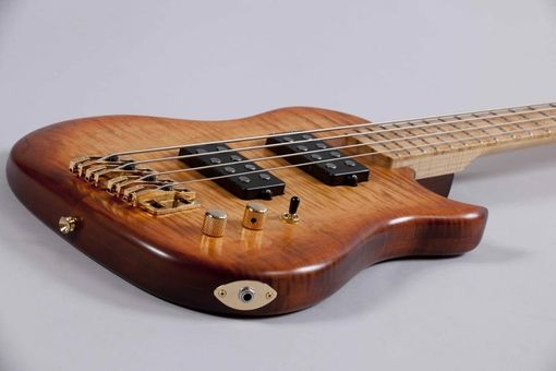 Custom Made Tiger Maple Lincsonic Electric Bass Guitar