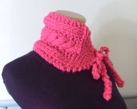 Custom Made Sale / Hot Pink-Cabled-Vintage Inspired Neckwarmer