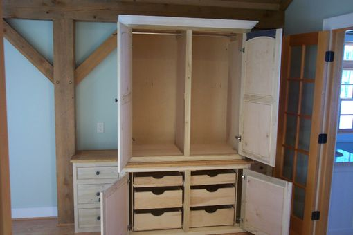 Custom Made Built-In Wardrobe Cabinetry