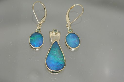 Custom Made 18kt Yellow Gold Pendant Earring Set With Opal And Green Diamond