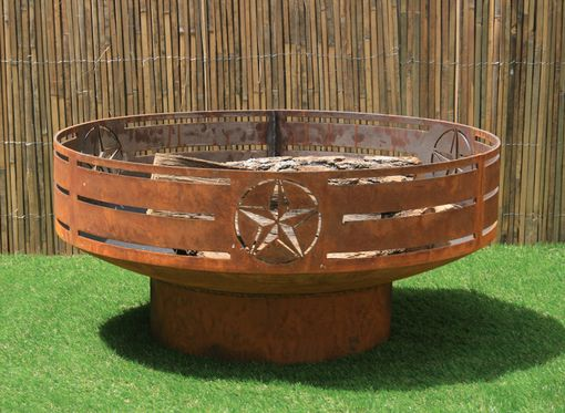 Custom Made Texas Fire Pit. Steel Firepit. Backyard Fire Bowl/Kettle. Metal Garden Sculpture.