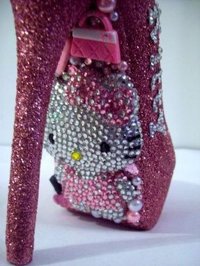 09a908c0e Buy Handmade 3d Hello Kitty Pumps, made to order from Unique'z ...