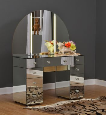 Custom Made Hollywood Glam - Sex And The City Movie - Carrie Bradshaw's Vanity & Mirror