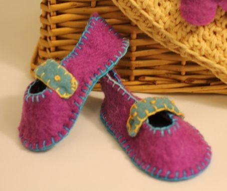 Custom Made Cute Wool Felt Baby Booties, Eco Friendly, Photo Prop, Super Soft