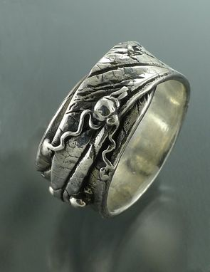 Custom Made Unisex Leaf Overlap Ring
