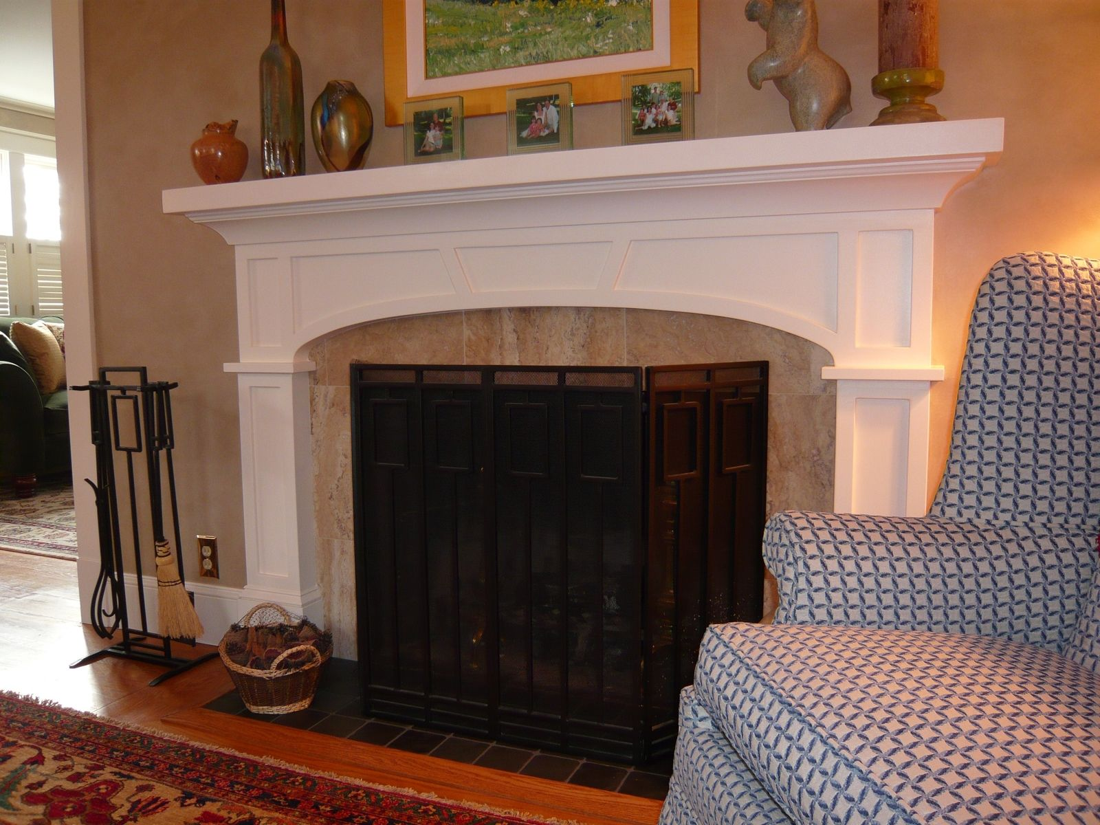 DOUBLE CLICK on photo above to see larger image of entire unit.  The elliptical arch gives this fireplace surround an elegant