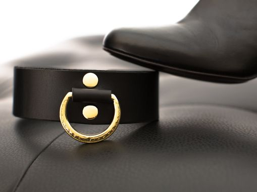 Custom Made Leather Bondage Collar - Black Latigo - Brass Lead Ring With Ivy Motif - Ebony & Brass Fasteners