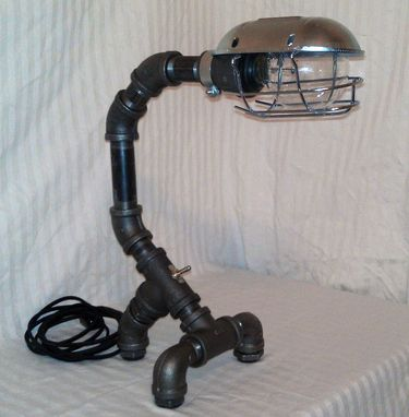 Custom Made Industrial Black Metal Pipe Desk Lamp: Pdl-03