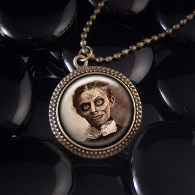 Custom Made Creepy Haunted Mansion Antique Bronze Pendant Necklace 148-Brn