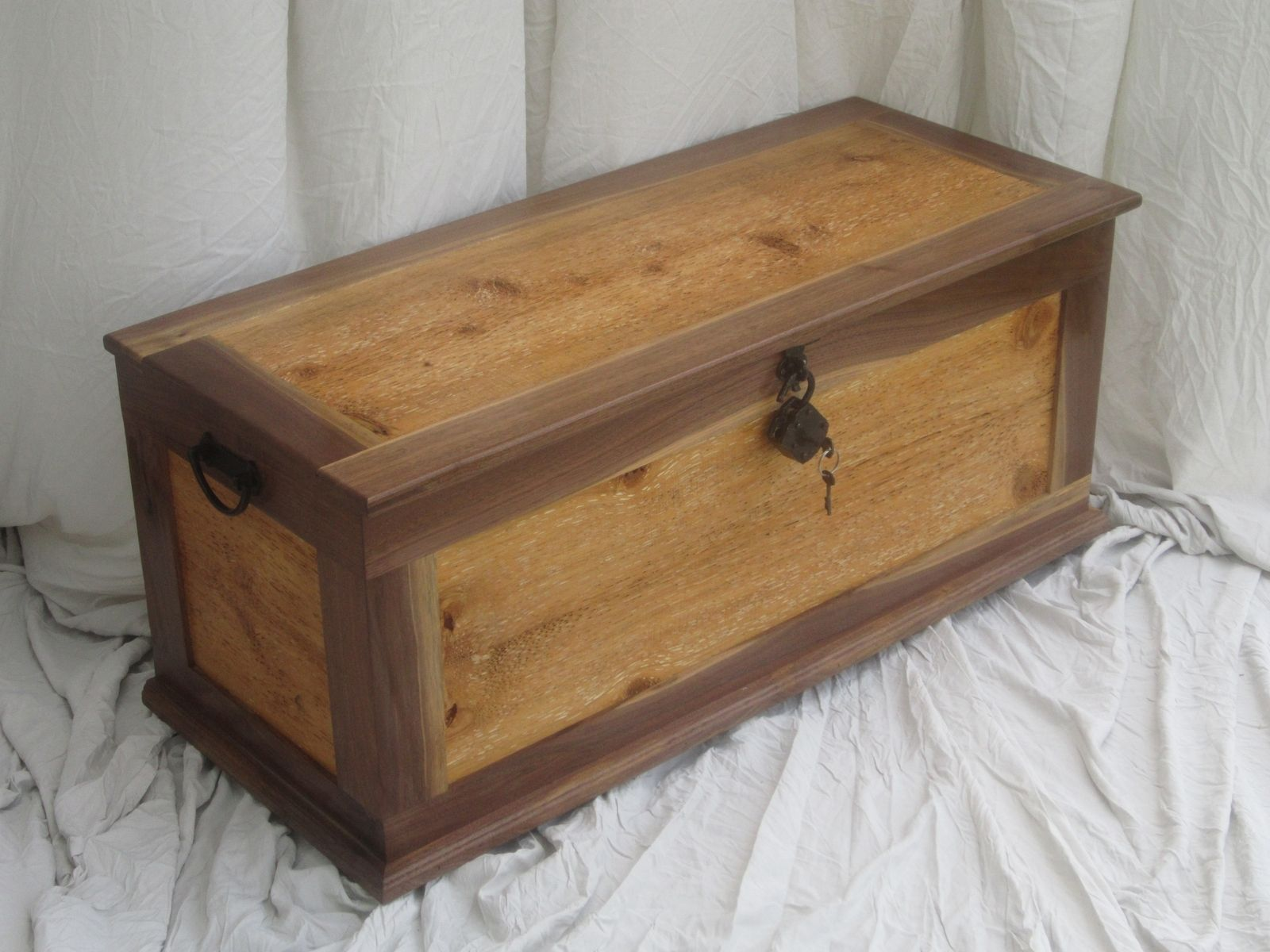 Hand Made Sea Chest Blanket Trunk By Bearkat Wood