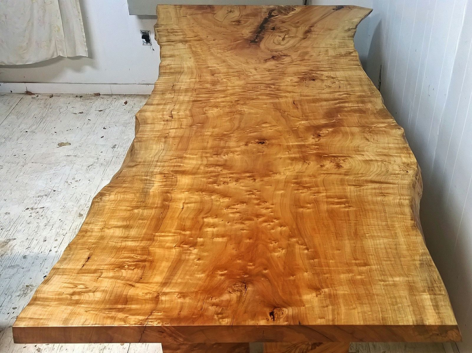 Hand Crafted Silver Maple Dining Table With Same Tree Leg