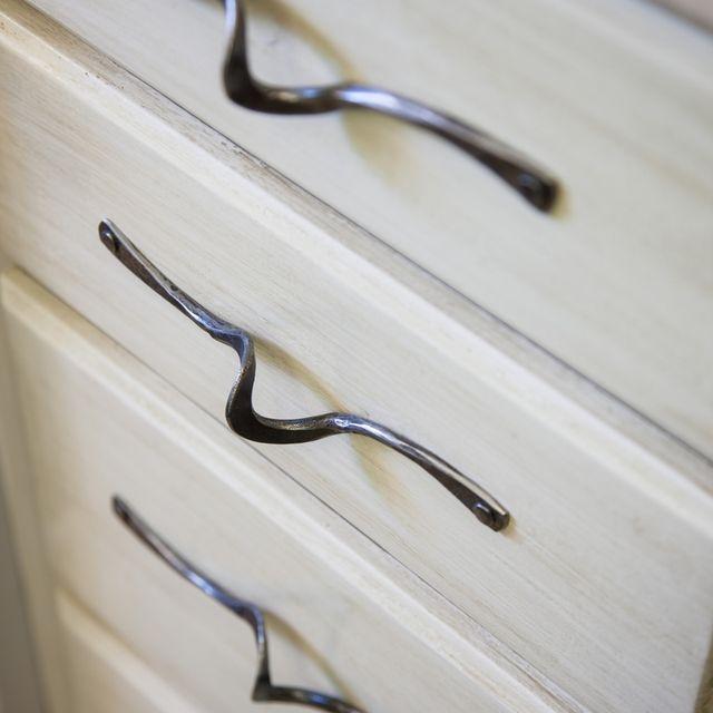 Custom Made Cabinet Pulls Online Information