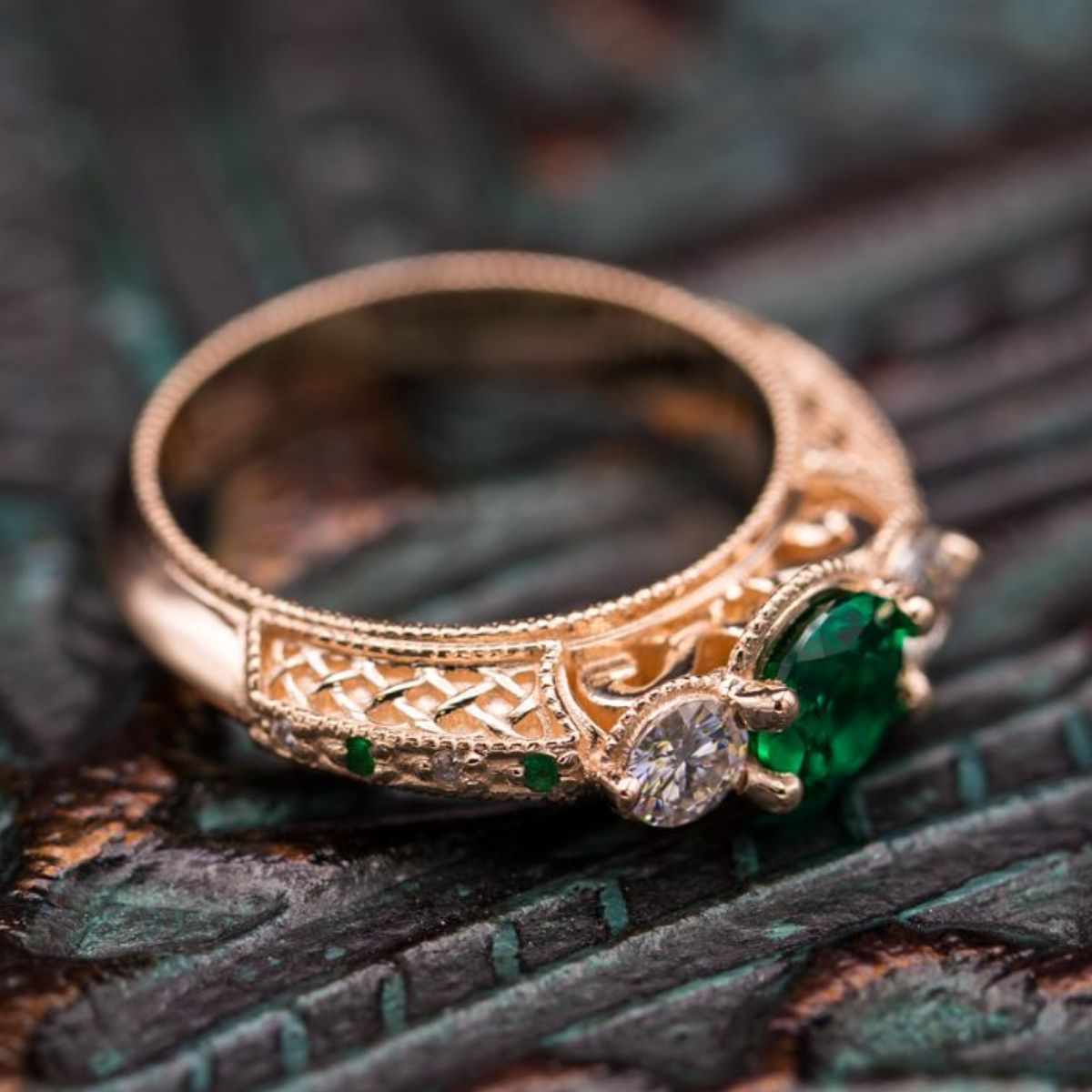 3f086a2b52e Celtic Engagement Rings | Irish and Claddagh Engagement Rings ...