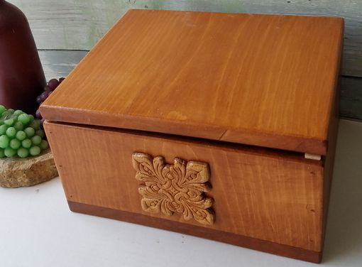 Custom Made Keepsake Wood Crafted Box (I18sm)