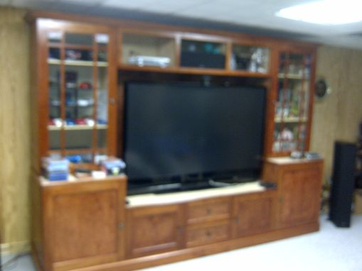Custom Made Tv, Stereo, And Media Entertainment Center