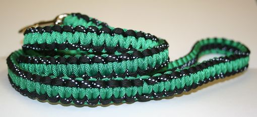 Custom Made 4 Ft Kelly Green & Reflective Black Paracord Leash