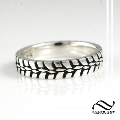 Custom Made Ladies Plain Tire Tread Ring